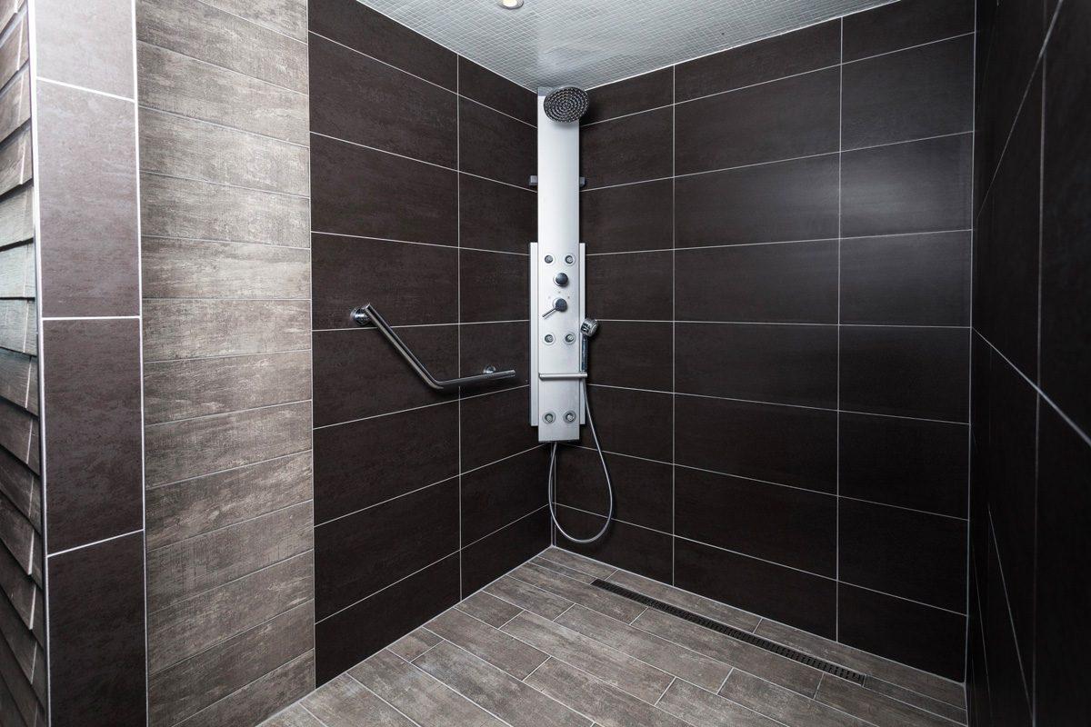 douche chambre hotel caen